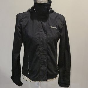 Bench wind breaker jacket with hood